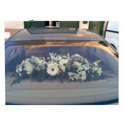 Bandeja de flores para el coche nupcial