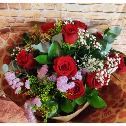 Bouquet  de 12 rosas rojas...